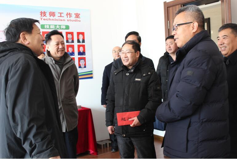 市委副书记李中新走访慰问我区企业劳模代表